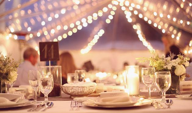 Matrimonio Civile Natale : Allestimento di matrimonio con le luci natale
