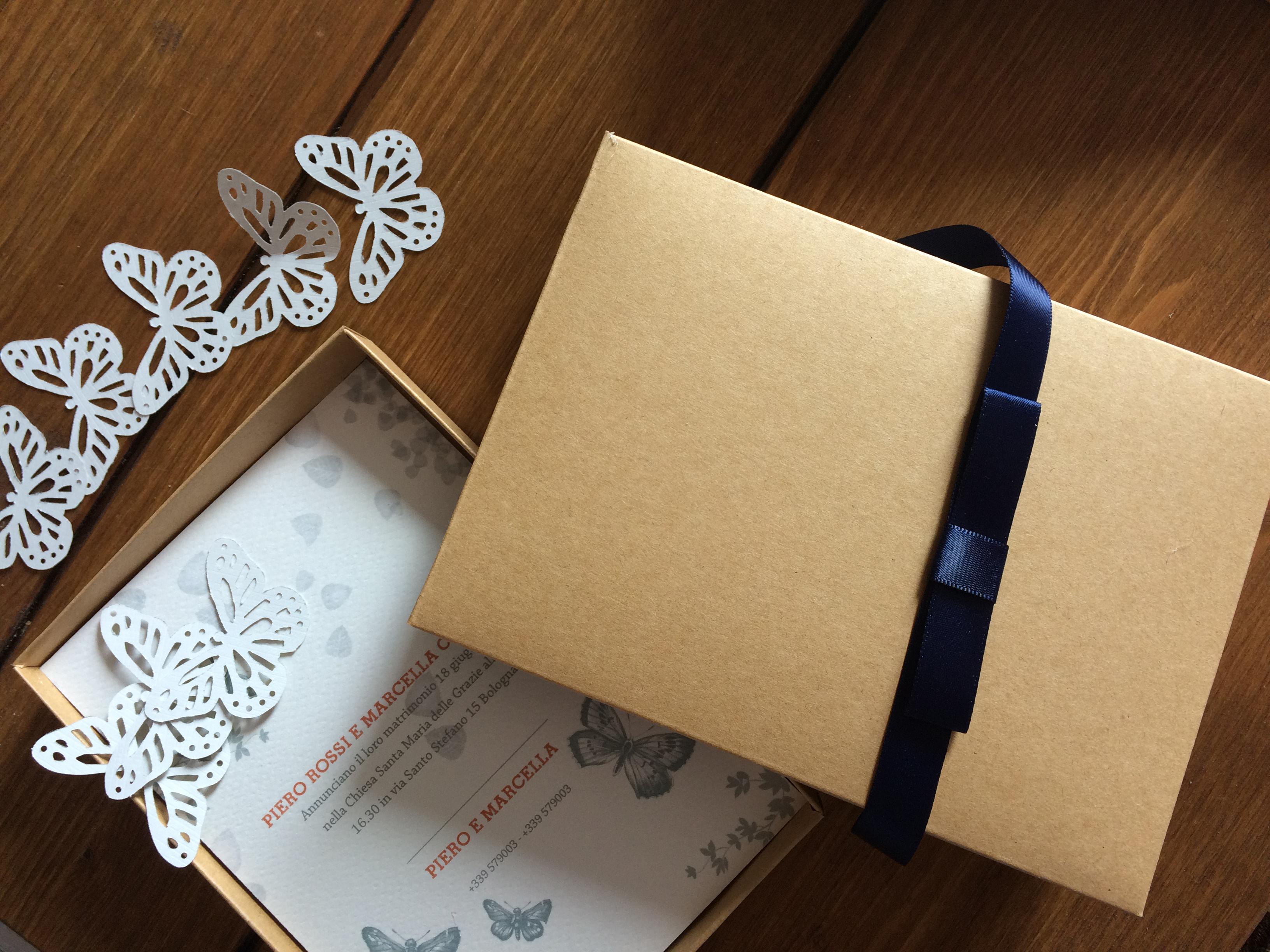 partecipazioni nozze in scatola stile farfalle