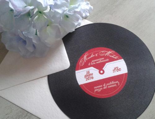 Partecipazioni di matrimonio a tema musicale: il disco